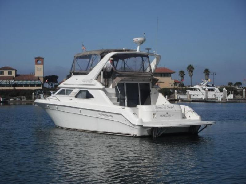 Sea Ray 440 Express Bridge  Bring Offers
