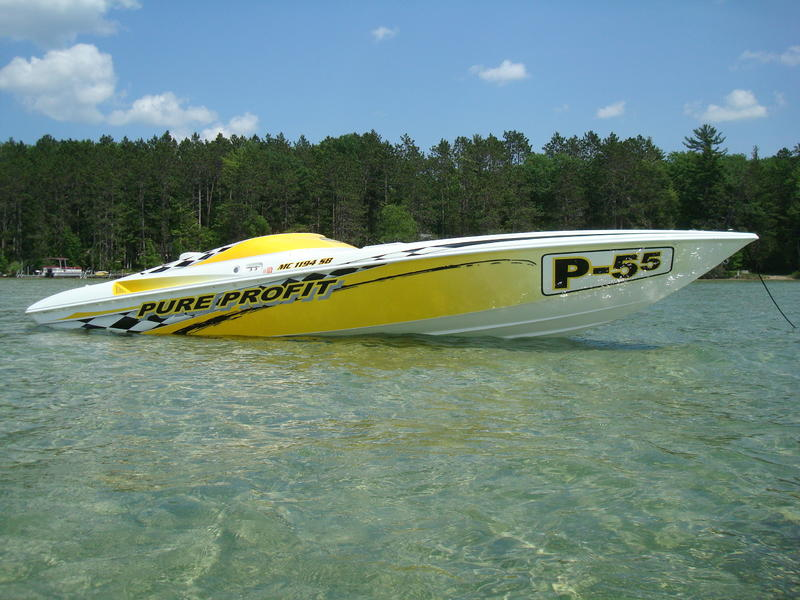 2001 Sunsation Dominator located in Michigan for sale