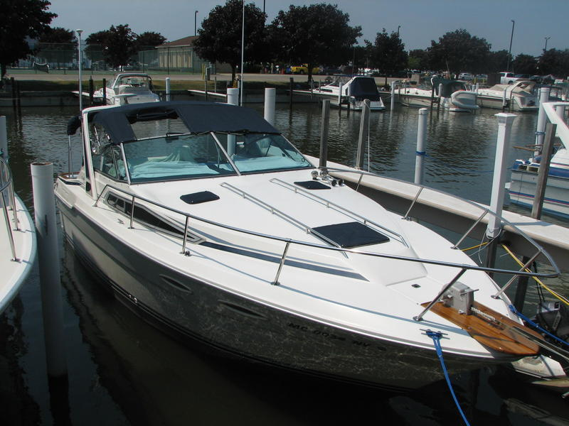 1989 Sea Ray Sundancer 300  Pending Sale located in Michigan for sale