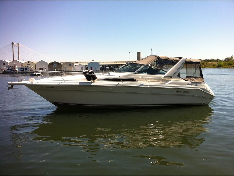 1994 SeaRay 330 Sundancer located in Washington for sale