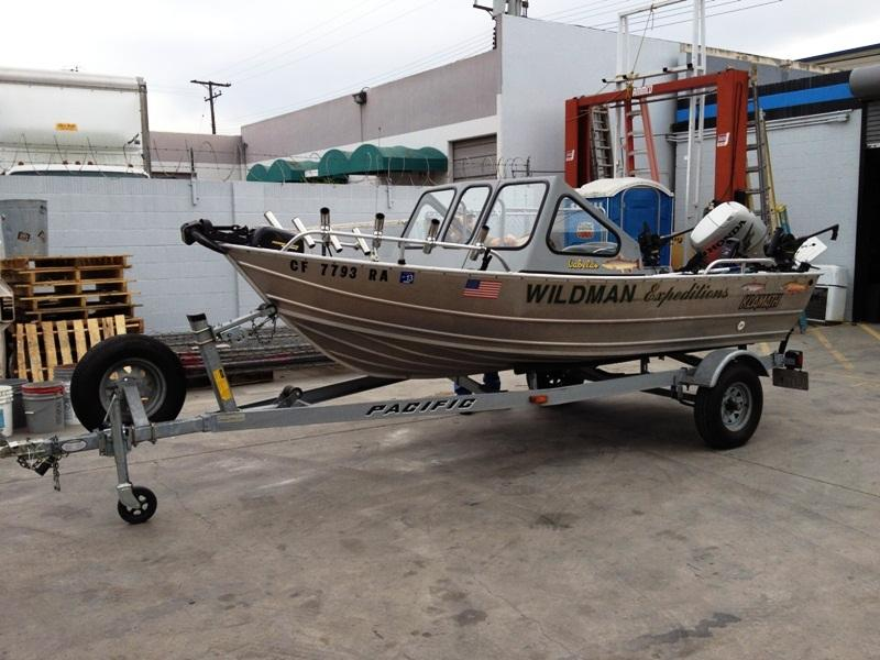 2004 Klamath 15 ADW Aluminum Fishing Boat located in California for sale