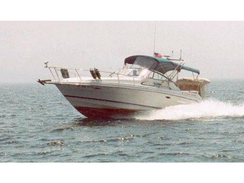 1993 RINKER FIESTA VEE located in Michigan for sale