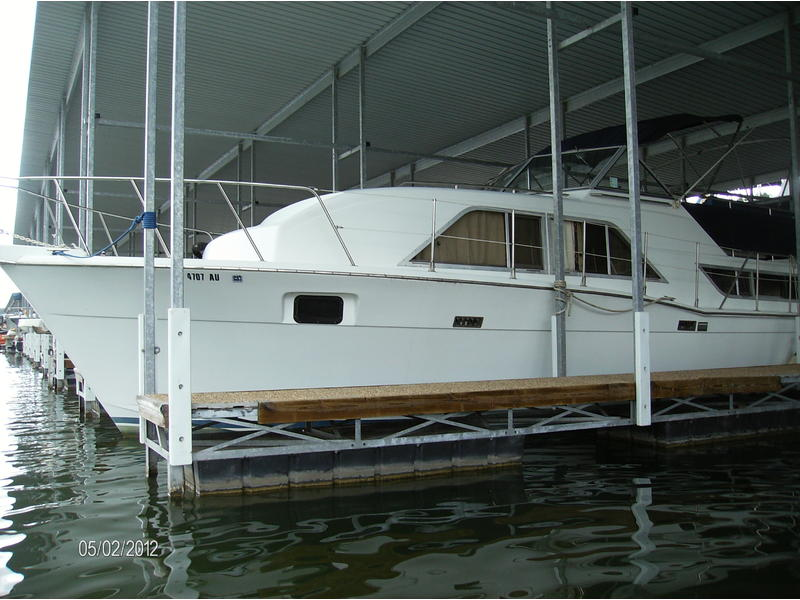 1984 Chris Craft 350 Catalina located in Texas for sale