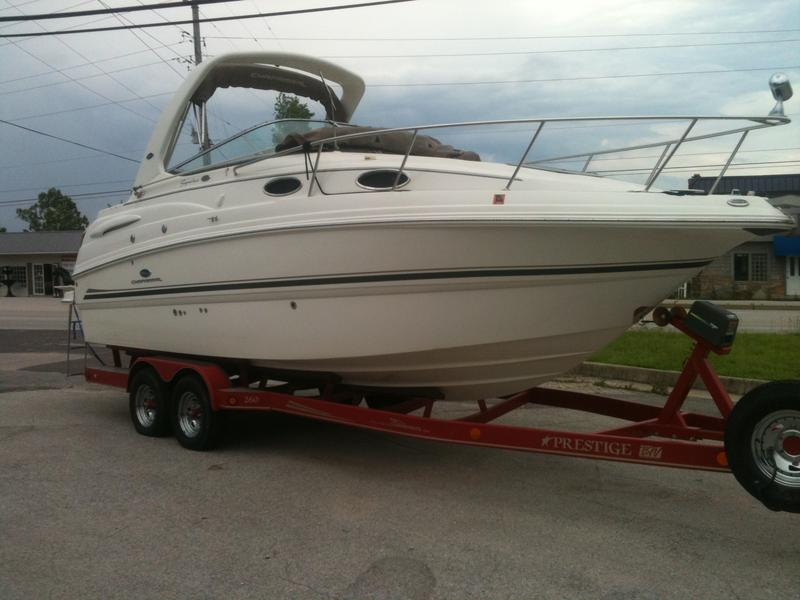 2005 chaparral 260 Signature Series located in Missouri for sale