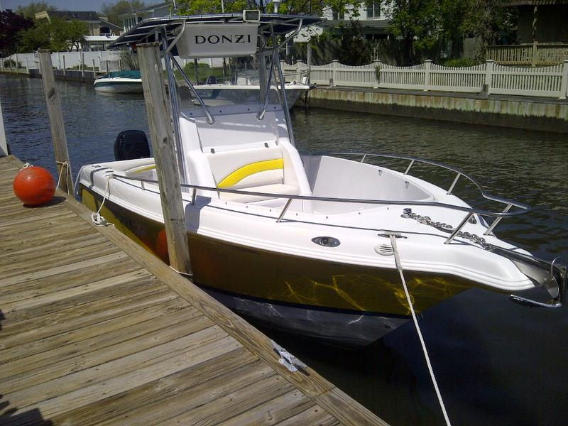 2003 DONZI 23 ZF located in New York for sale