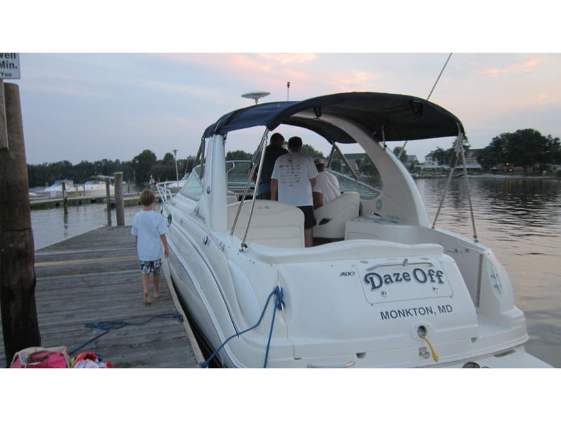 2004 Sea Ray Sundancer located in Maryland for sale