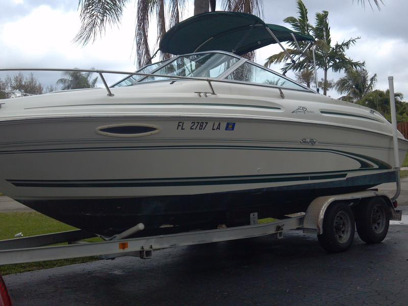 1999 SEARAY 215 EXPRESS located in Florida for sale
