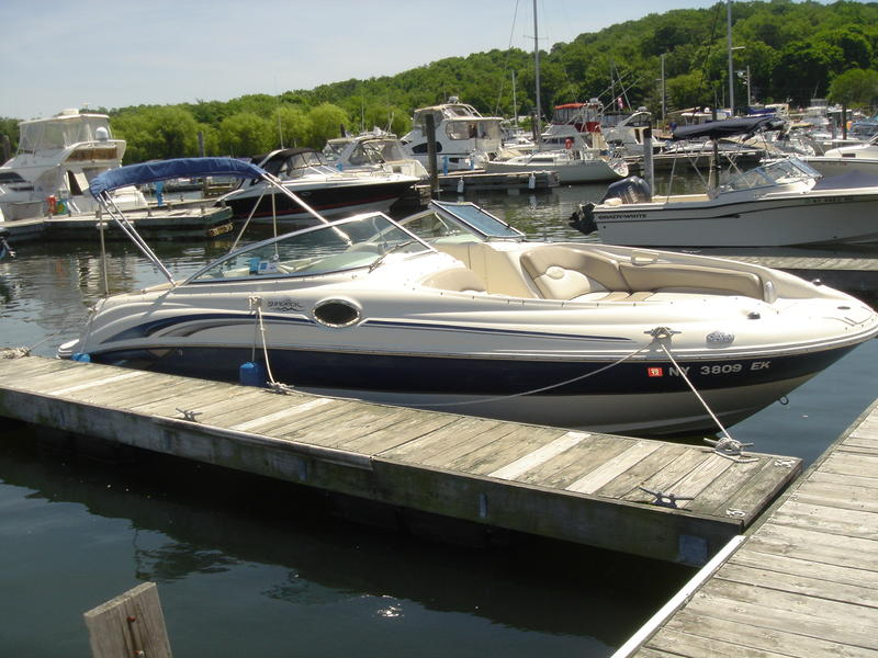 2003 SeaRay Sundeck located in Florida for sale