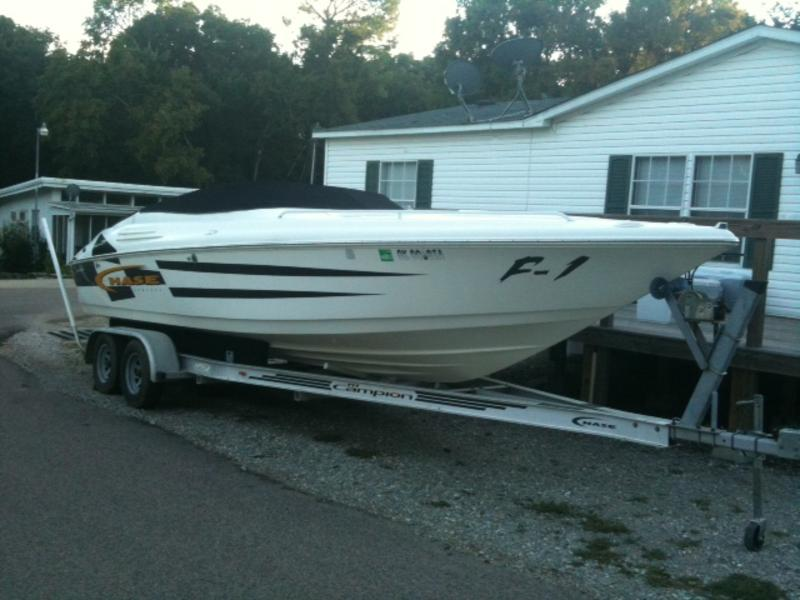 2000 Campion Chase 800 located in Oklahoma for sale