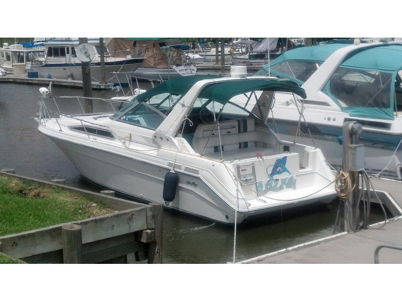 1990 Sea Ray 270 Sundancer located in Texas for sale