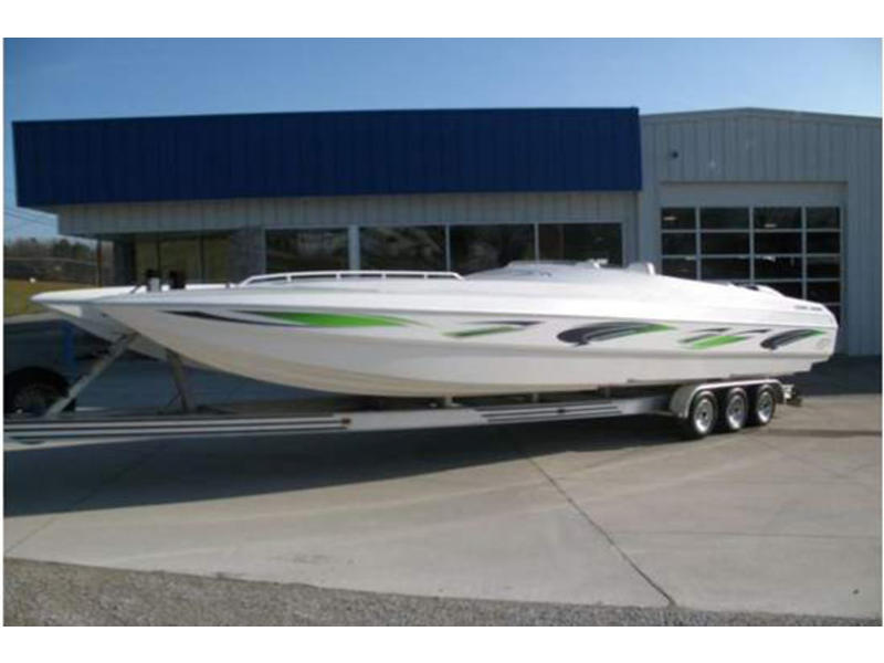 2000 Spectre 36ft Pleasure located in Indiana for sale