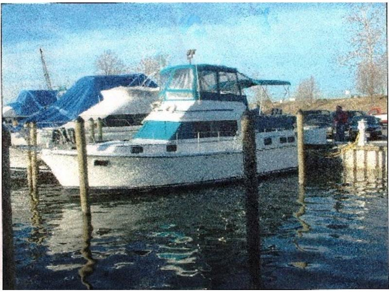 1982 Carver 3607 Motor Yacht located in Maryland for sale