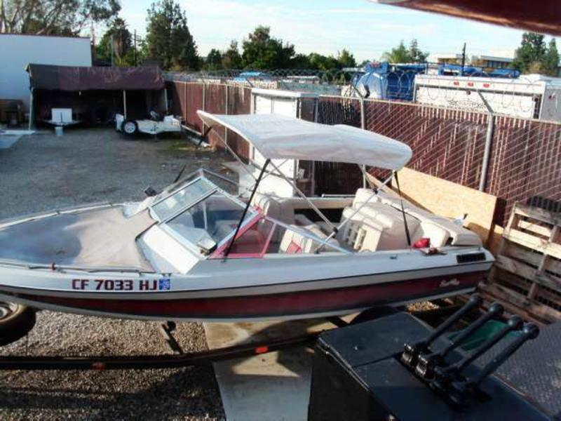 1983 Sun Ray Open Bow located in California for sale