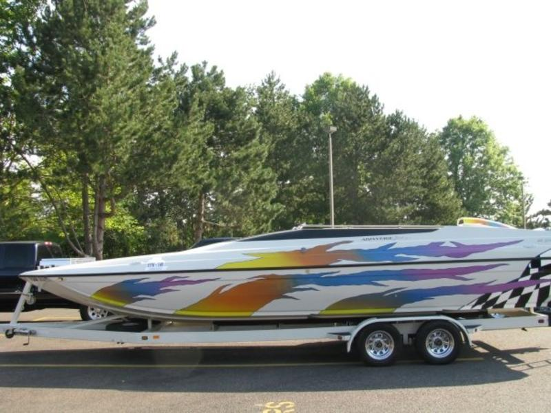 1999 Advantage 28 Sport Cat located in Oregon for sale