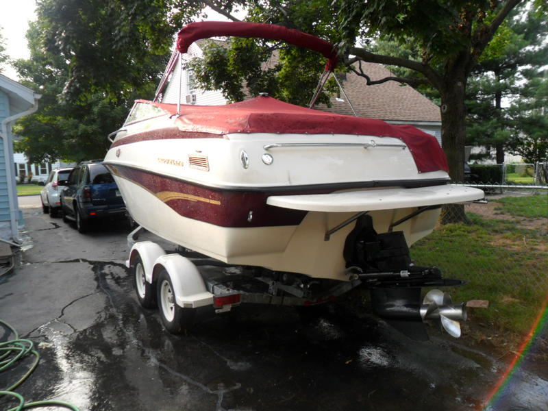 2001 crownline 215 ccr located in Connecticut for sale