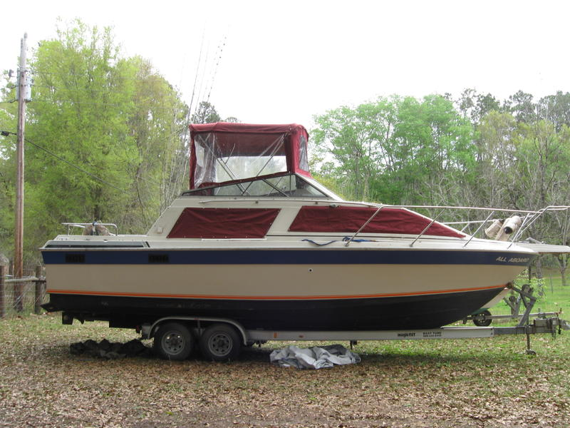 1985 Silverton Sport Cruiser located in Florida for sale