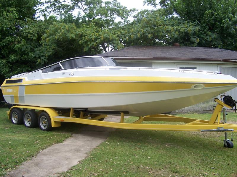 1989 Sea Bold 265 located in Texas for sale