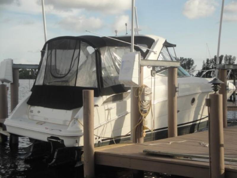 2010 Sea Ray 310 Sundancer located in Florida for sale