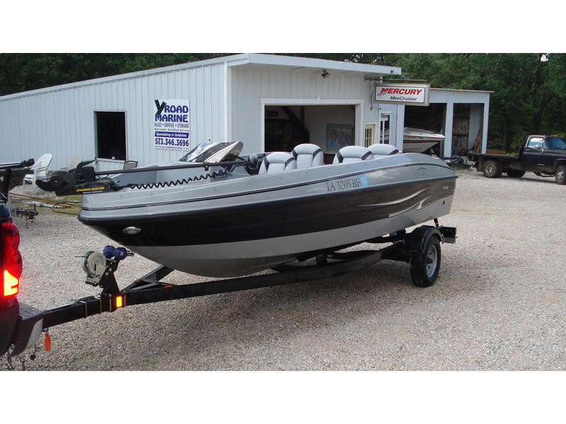 2009 FinCraft 17SC located in Missouri for sale