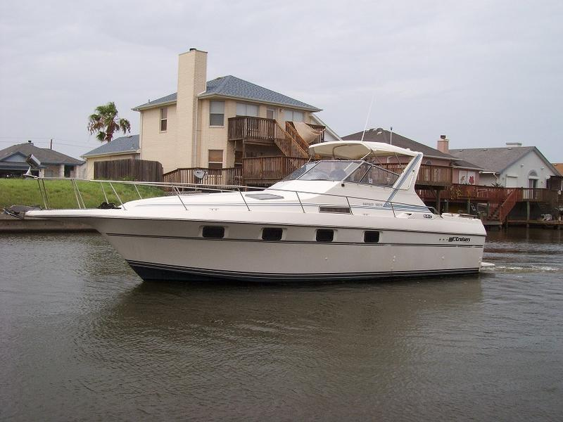 1989 Cruisers 3370 Espirit 33EX located in Texas for sale