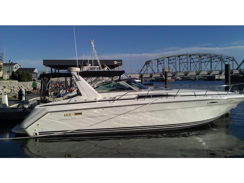1993 Sea Ray 370 express located in Wisconsin for sale