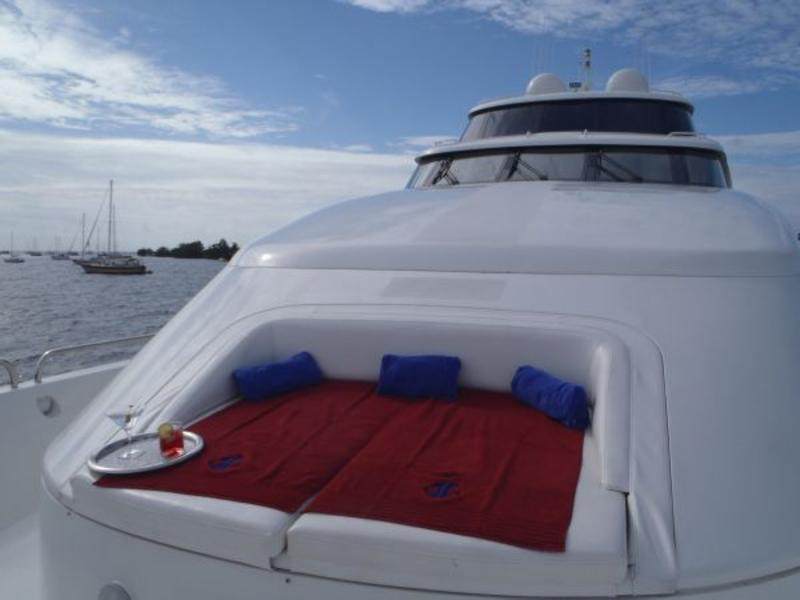 2002 Lazzara 94 Motor Yacht located in Florida for sale