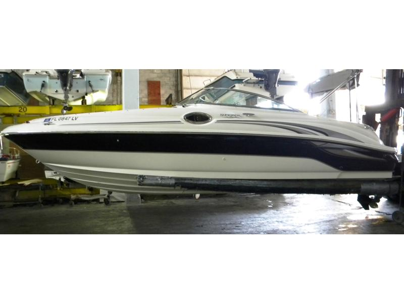 2002 Sea Ray 240 Sundeck Bowrider located in Florida for sale