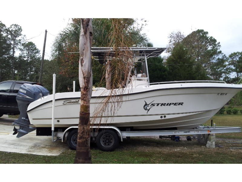 2006 Sea Swirl Striper 2301 located in Florida for sale