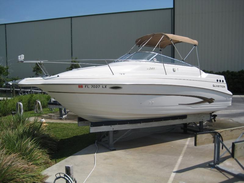 2002 glastron gs249 located in Florida for sale