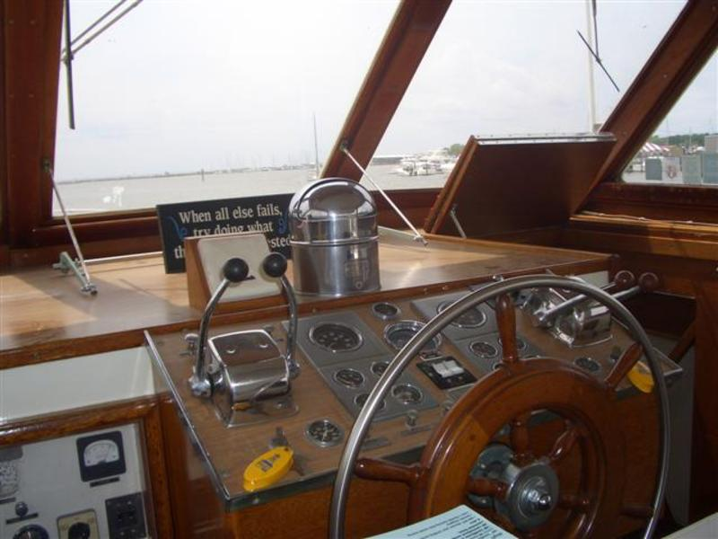 Matthews Double Cabin Command Bridge