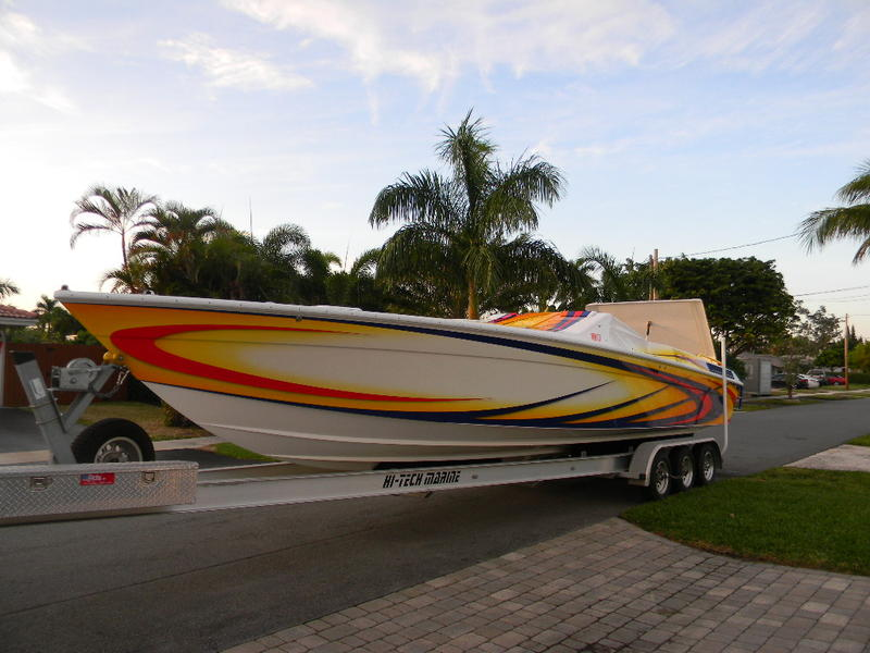 2005 Powerplay 33 sport deck located in Florida for sale