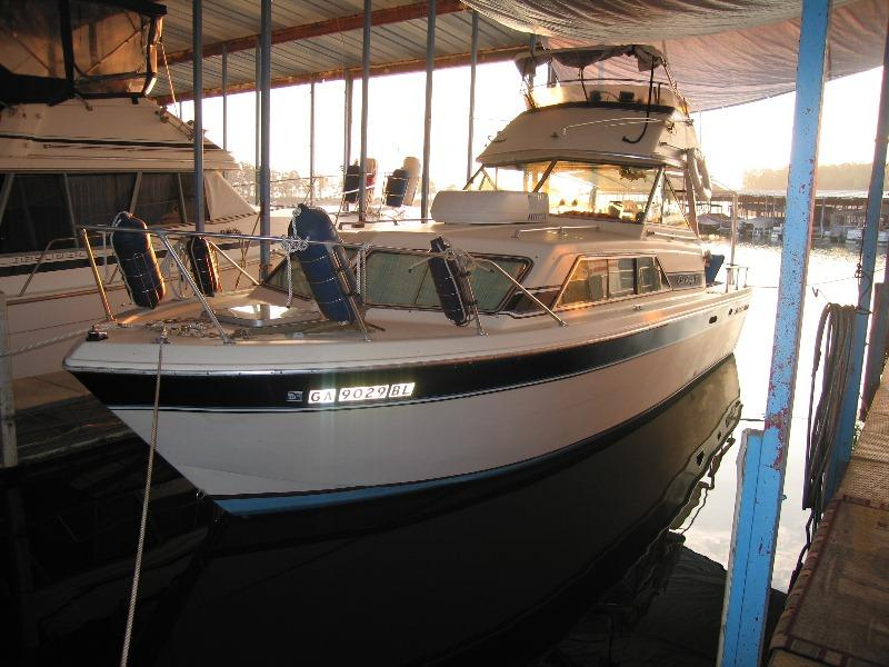 1984 Chris Craft Catalina located in Georgia for sale