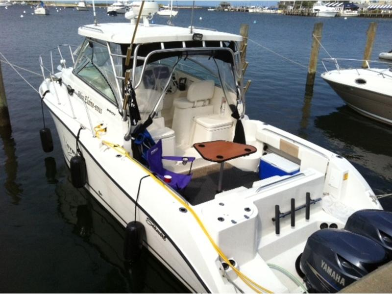 2004 Seaswirl Striper 2901 located in Rhode Island for sale
