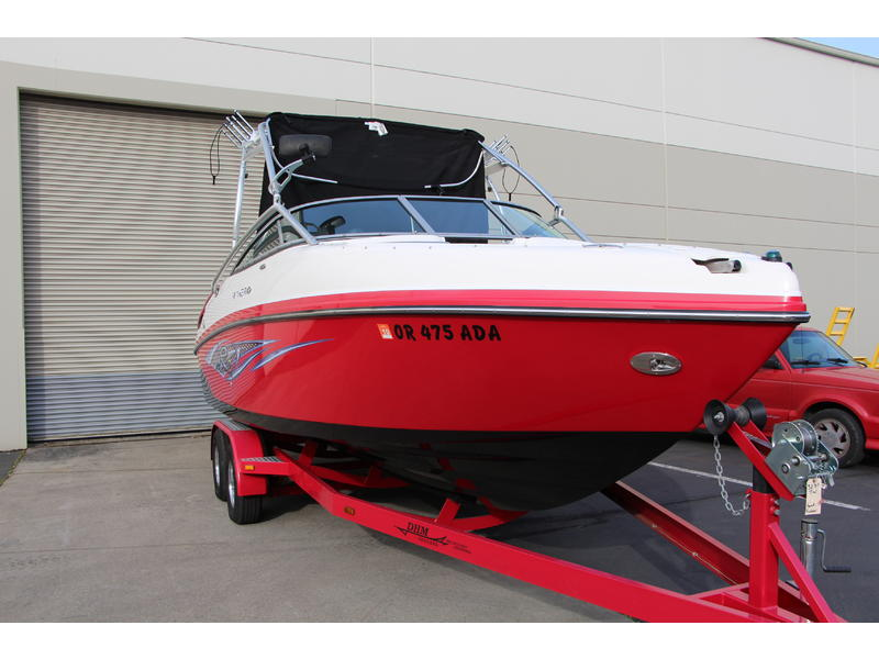 2007 Rinker Captiva 246 Bowrider R located in Oregon for sale
