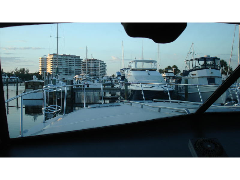 1985 sea ray 460 express located in Florida for sale