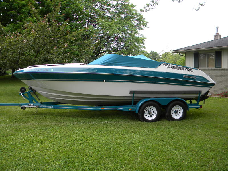 1992 fourwinns Liberator located in Michigan for sale