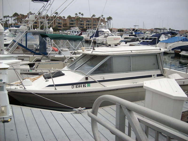 1985 Bayliner Trophy Hardtop located in California for sale