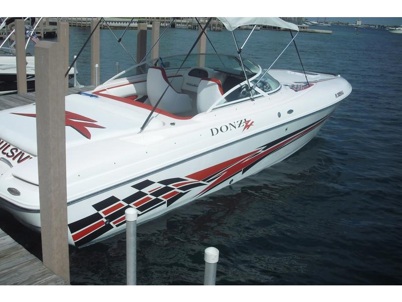 1996 Donzi 27ZX located in Florida for sale