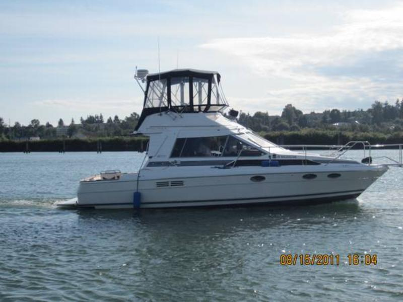 1987 Bayliner 3486 located in Washington for sale