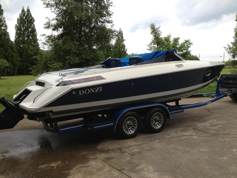 1986 Donzi Z25 located in South Carolina for sale