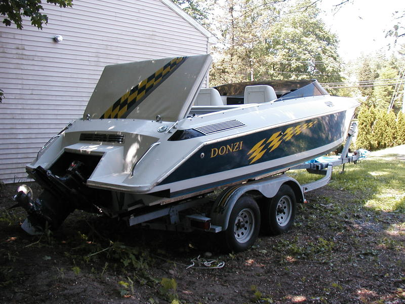 1989 Donzi Z25 located in New York for sale