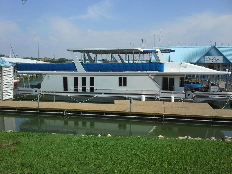 2003 Sharp Summerset Houseboat  located in Texas for sale