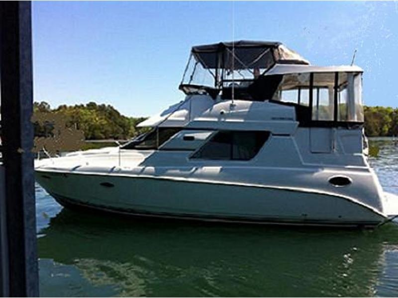 1999 Silverton 352 Motor Yacht located in  for sale