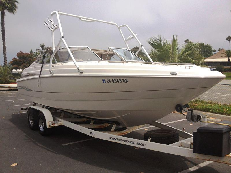 2000 Maxum 2300SR located in California for sale
