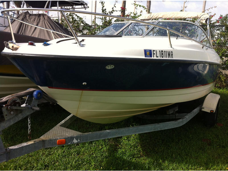 2004 Bayliner 210 Classic located in Florida for sale