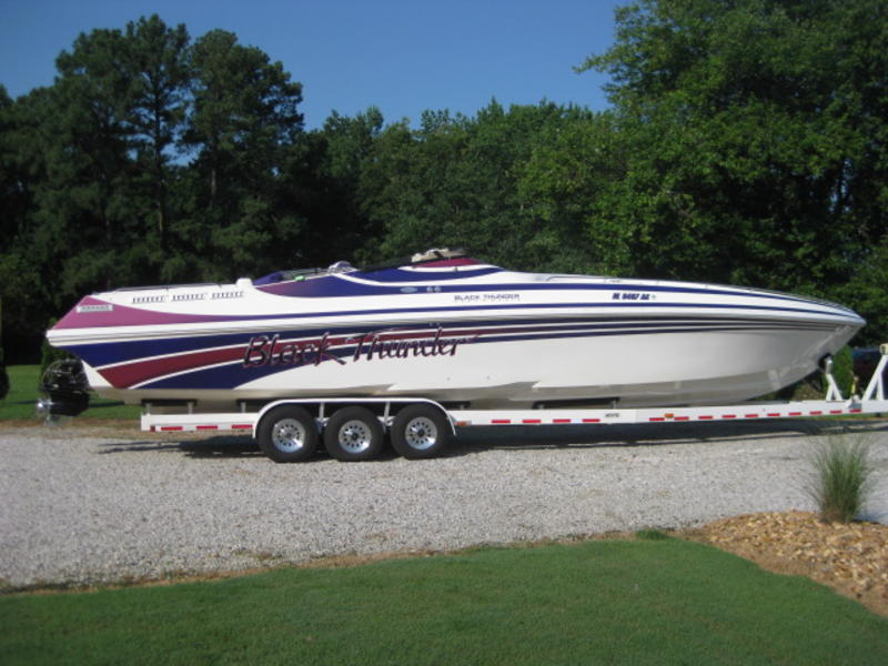 2000 Black Thunder 43 located in Virginia for sale