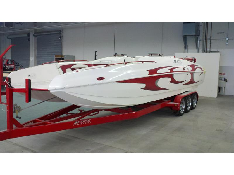 2003 Magic 28 Deck boat located in Arizona for sale