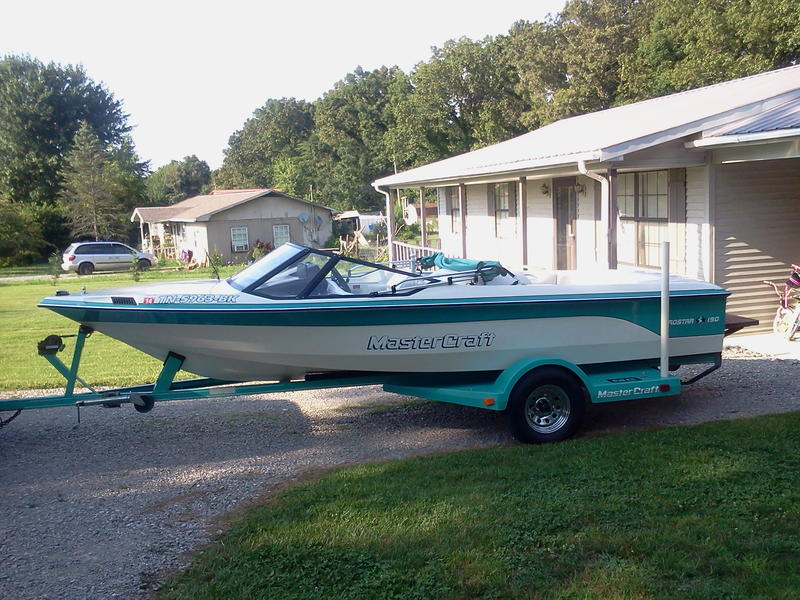 1990 mastercraft prostar 190 located in Tennessee for sale