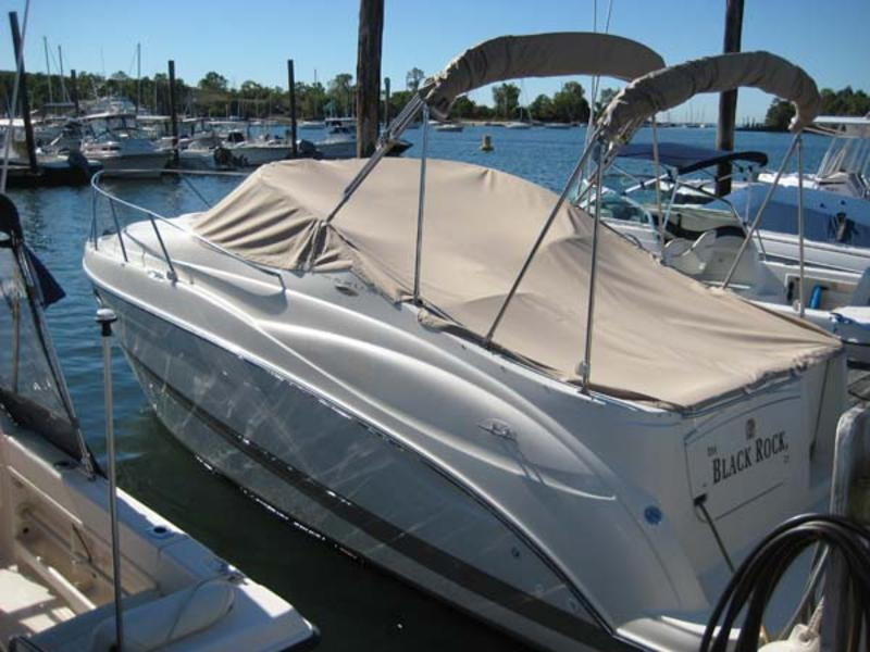 2001 Maxum 2500 SCR located in Connecticut for sale