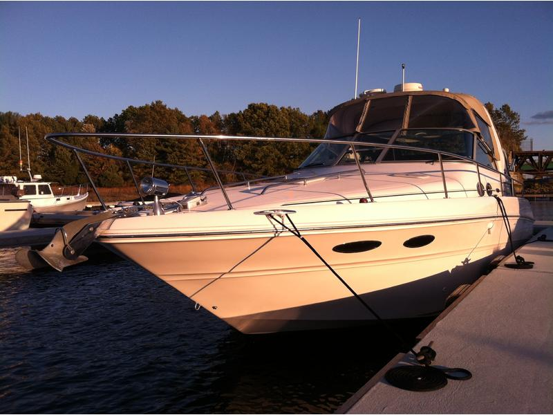2001 Sea Ray 310 Sundancer located in Massachusetts for sale